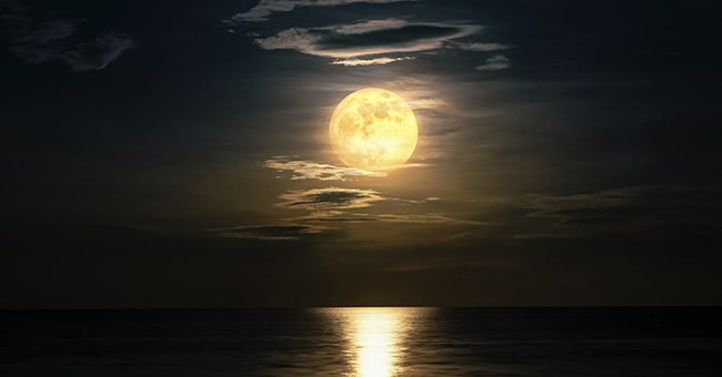 Full Corn Moon Lights up the Sky on September 2 — Schedule and Facts about the Celestial Body