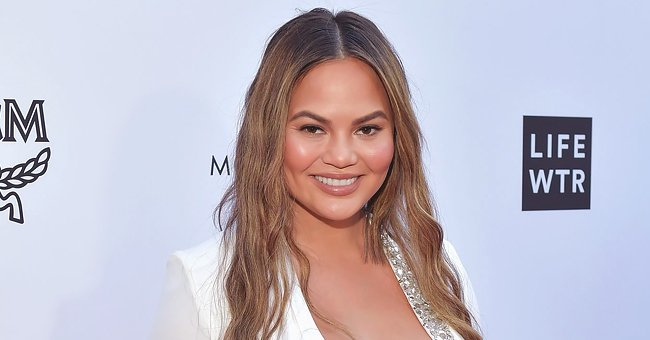 Chrissy Teigen Slams Twitter User Who Commented on Taylor Swift's Fertility Days before Her 30th Birthday