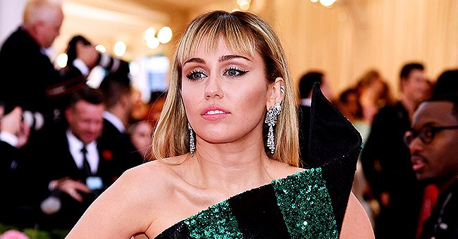 Us Weekly: Miley Cyrus Reportedly Got Pet Pig after Divorcing Liam Hemsworth and Singer HER Named It Peppa