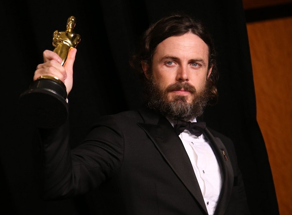 Casey Affleck posing with the Oscar for Best Actor for 'Manchester By The Sea,' at the 89th Academy Awards in Hollywood, California, in February 2017. | Image: Getty Images.