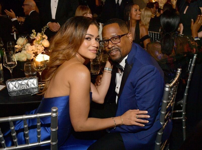 Martin Lawrence and his fiancee Roberta at an Awards Show | Source: Getty Images