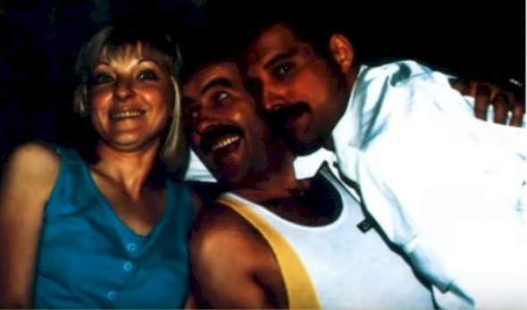 Mary Austin, Jim Hutton, and Freddie Mercury. I Image: YouTube/ Perfect Life.