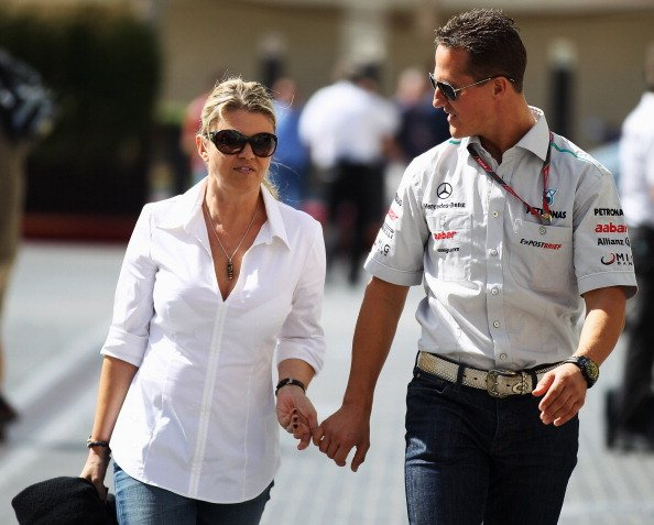 Corinna und Michael Schumacher, Abu Dhabi, 2011 | Quelle: Getty Images
