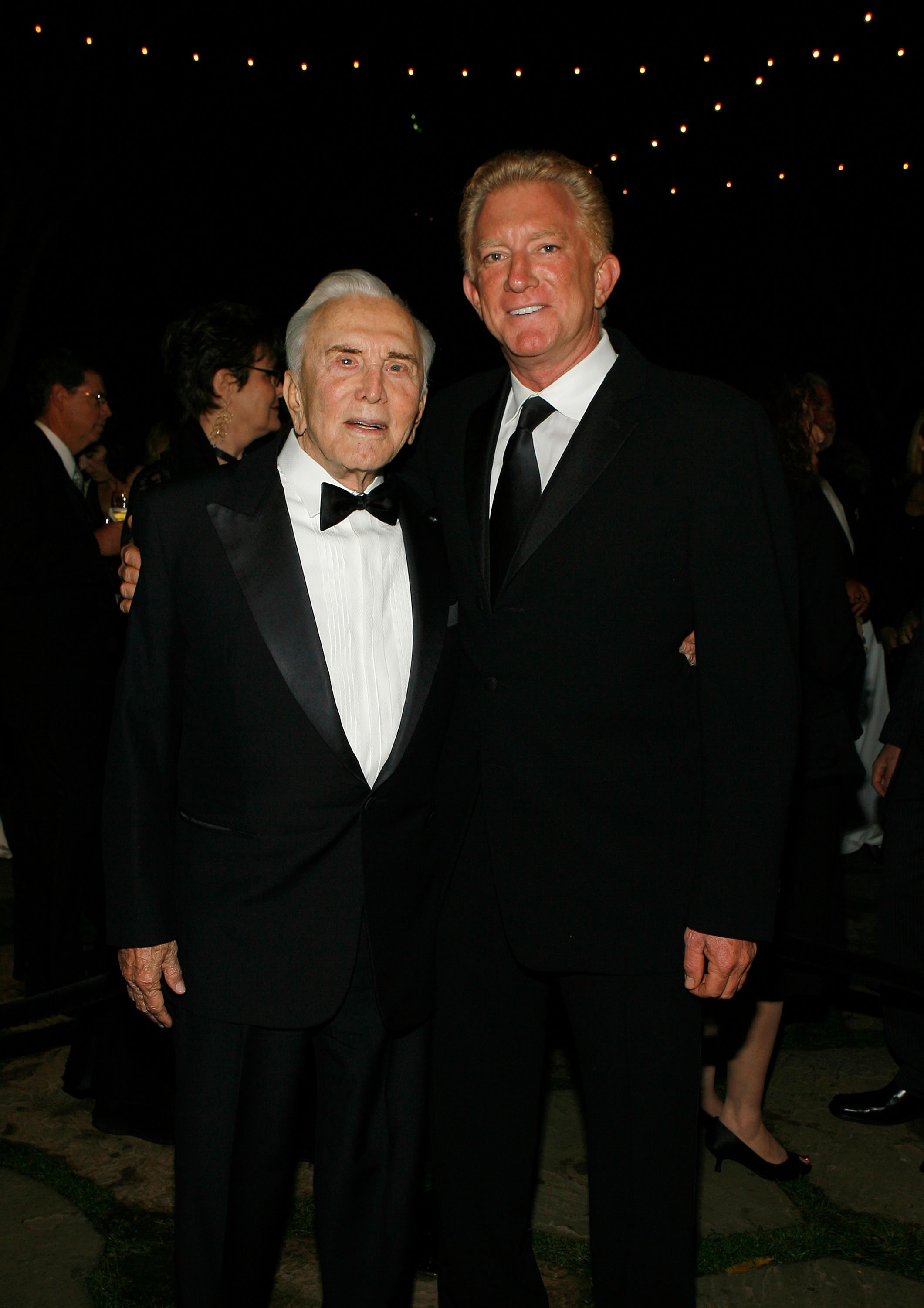 Kirk Douglas and Peter Douglas attend the Santa Barbara International Film Festival honoring John Travolta with the Kirk Douglas award held at the Four Seasons Biltmore hotel on November 15,2007, in Santa Barbara California. | Source: Getty Images.
