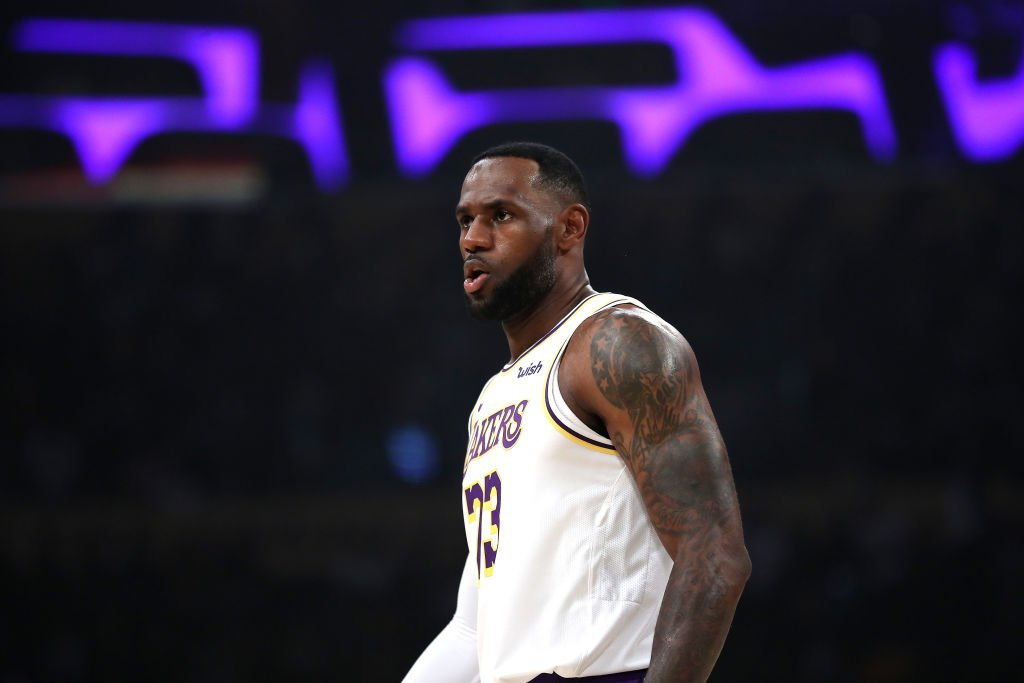 LeBron James #23 of the Los Angeles Lakers looks on during the second half of a game against the Charlotte Hornets at Staples Center | Photo: Getty Images