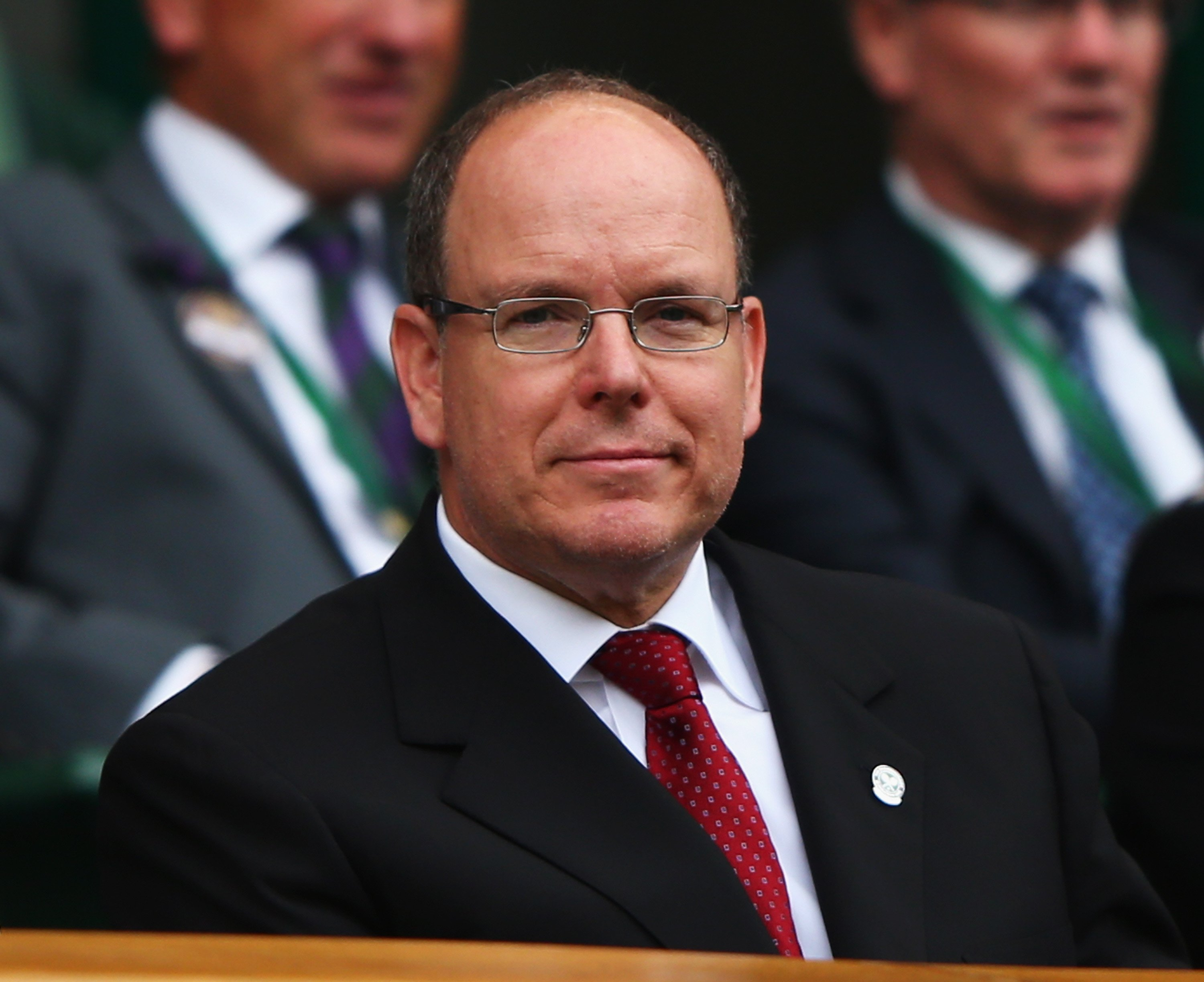 Le Prince Albert II de Monaco assiste à la neuvième journée du Wimbledon | Photo : Getty Images.