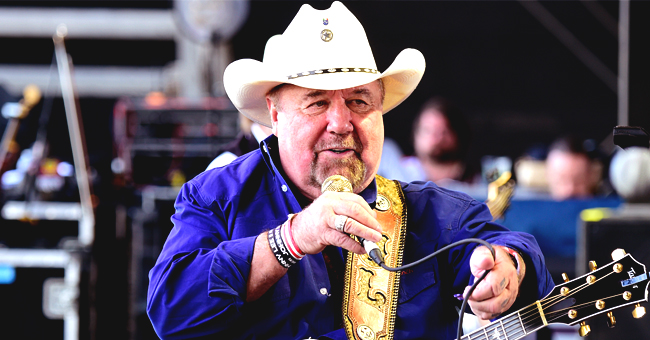 Johnny Lee Asks Fans of Country Music for Prayers before Undergoing Multiple Brain Surgeries