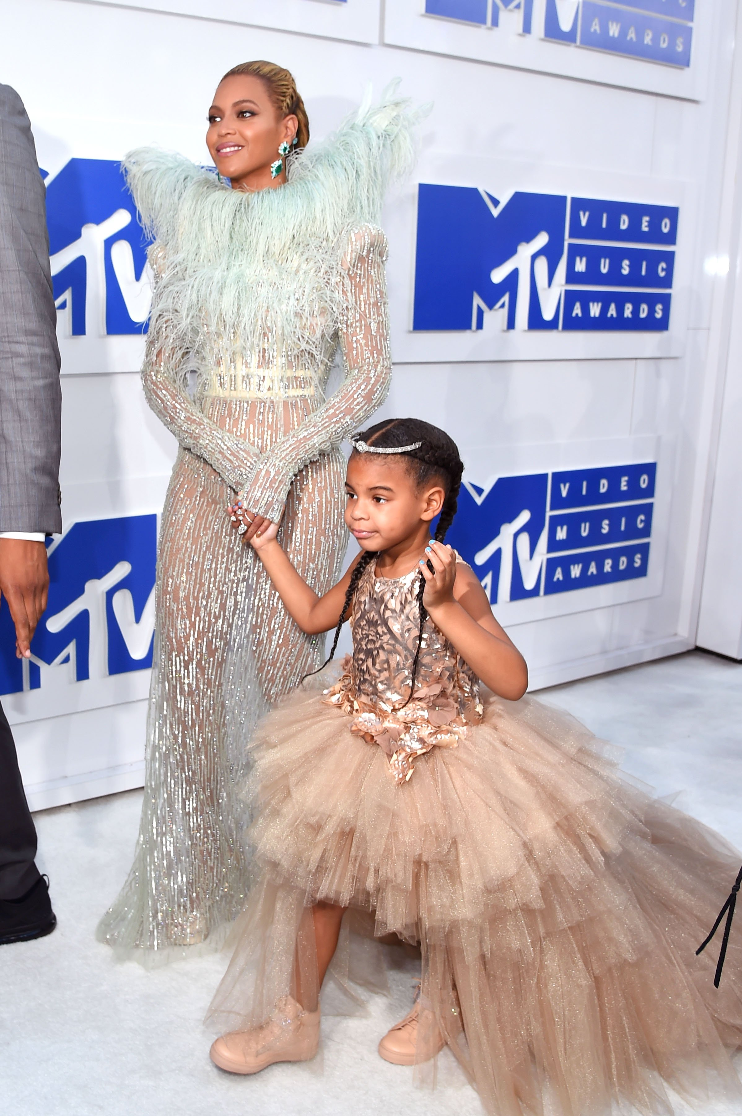 Beyoncé and Blue Ivy at the 2016 MTV Video Music Awards on August 28, 2016 in New York City. | Source: Getty Images