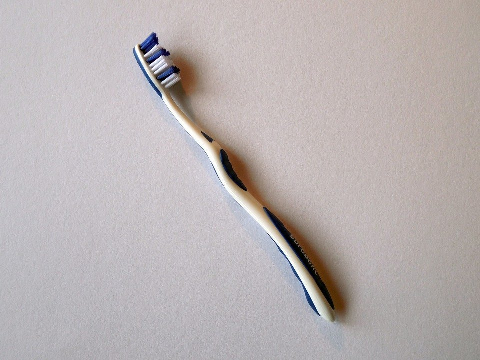 Un brosse à dent. | Photo : Pixabay