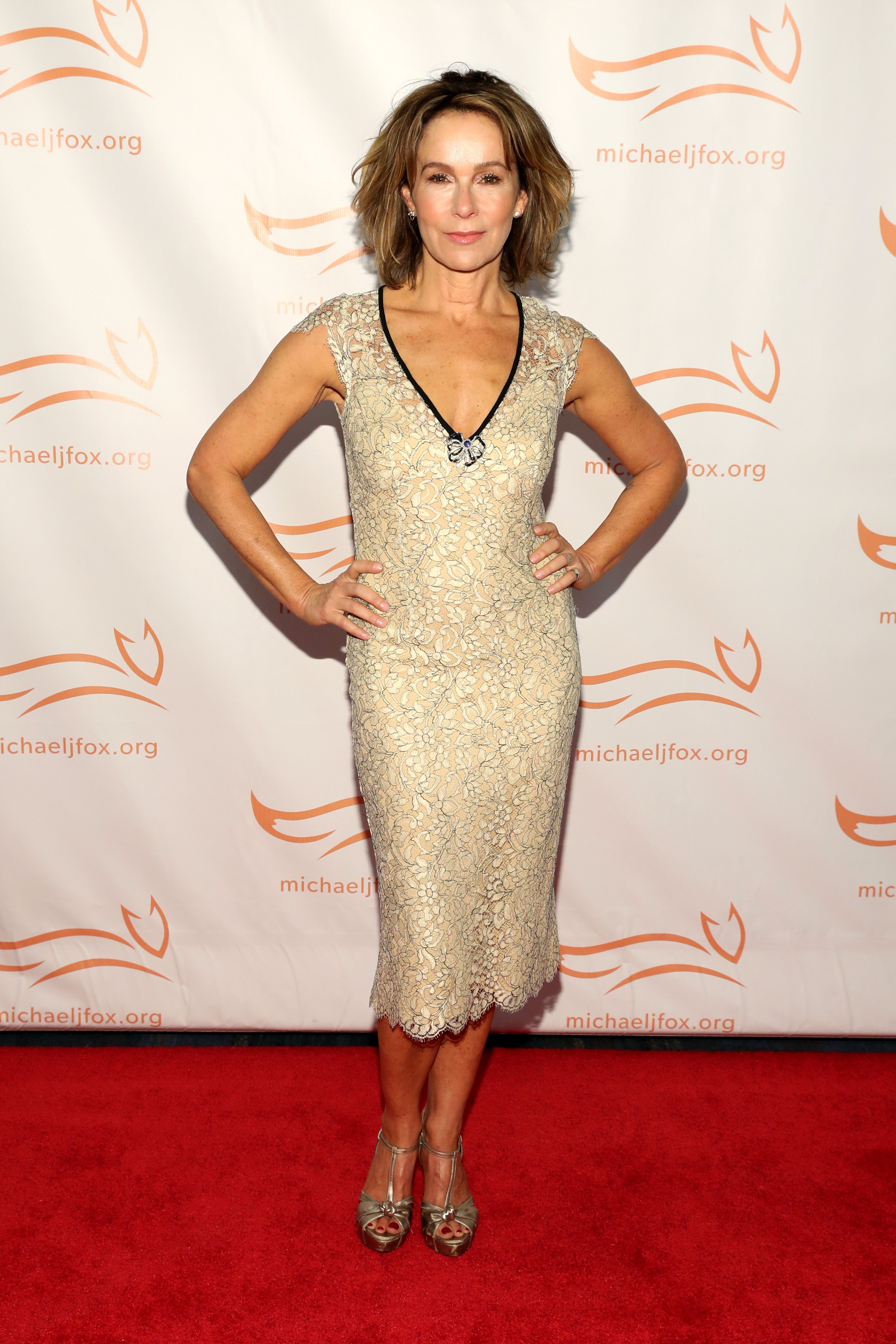 Jennifer Grey on the red carpet of A Funny Thing Happened On The Way To Cure Parkinson's benefitting The Michael J. Fox Foundation at the Hilton New York on November 10, 2018. | Source: Getty Images