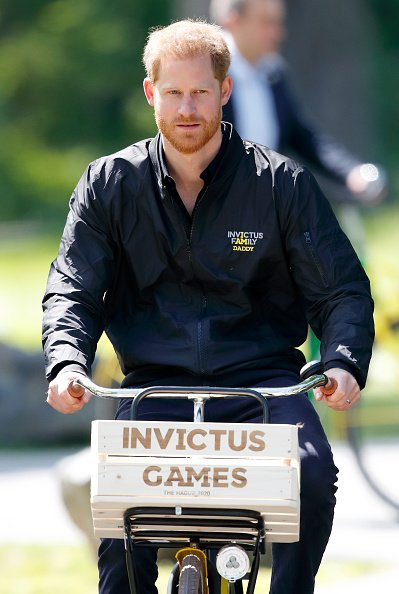Prince Harry au Sportcampus Zuiderpark en mai 2019 | Photo: Getty Images