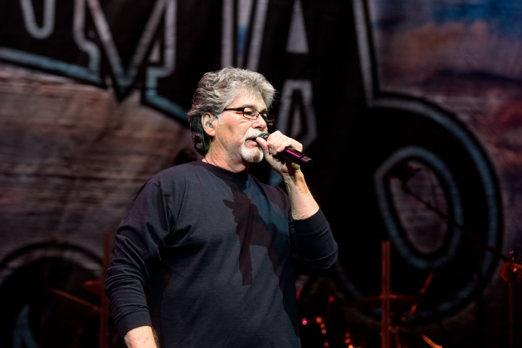 Randy Owen of Alabama performs on stage at The Fox Theatre | Photo: Getty Images