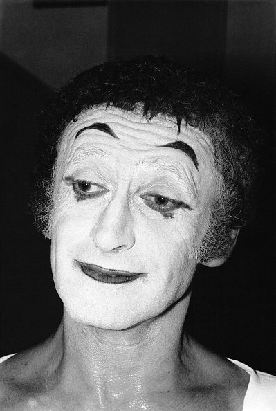 Portrait du comédien Marcel Marceau dit 'le Mime Marceau', en France . | Photo : Getty Images