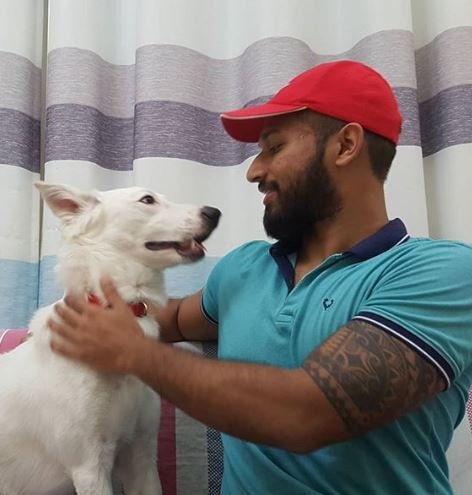 Snowy finally understands what it is to be loved ll Source: Instagram/Anand Raman