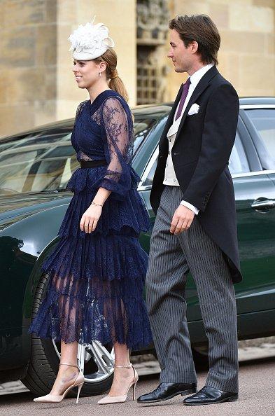 La princesse Beatrice et Edoardo Mapelli Mozzi assistent au mariage de lady Gabriella Windsor et de Thomas Kingston à la chapelle St George |Photo: Getty Images