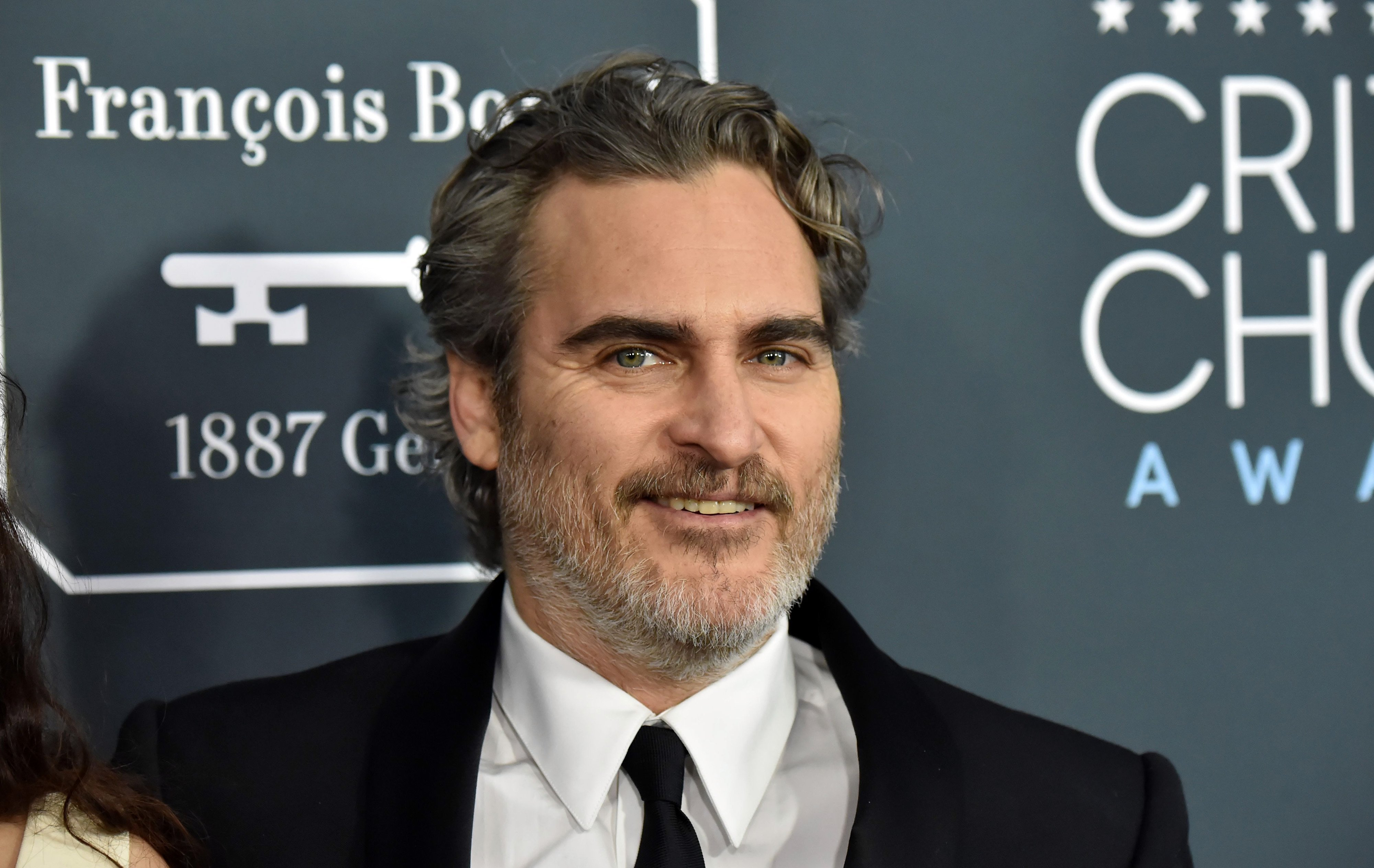 Joaquin Phoenix attends the 25th Annual Critics' Choice Awards at Barker Hangar on January 12, 2020 | Photo: GettyImages