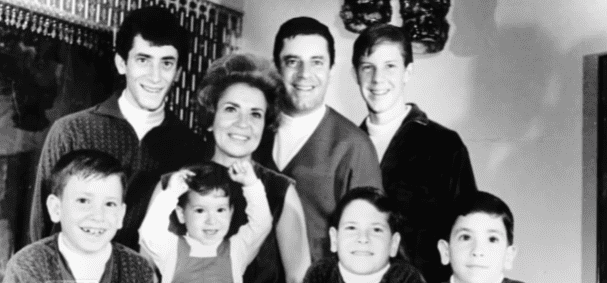 Jerry Lewis' family in the late '60s | Photo: YouTube/Inside Edition