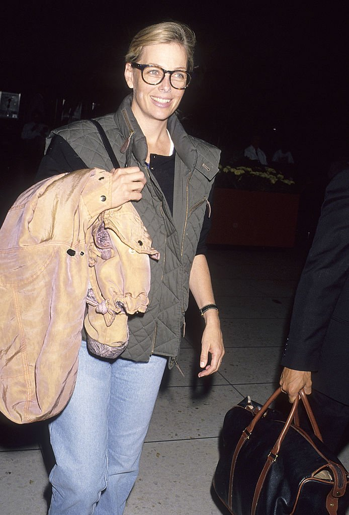 Kelly Harmon departs for New York City on March 12, 1993   Photo: Getty Images