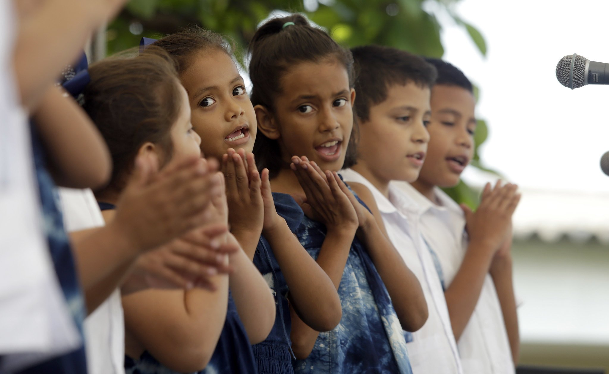 Grupo de niños cantando en coro de iglesia.   Imagen: Flickr