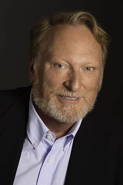 Portrait of Jeffrey Jones, 2012. | Source: Wikimedia Commons