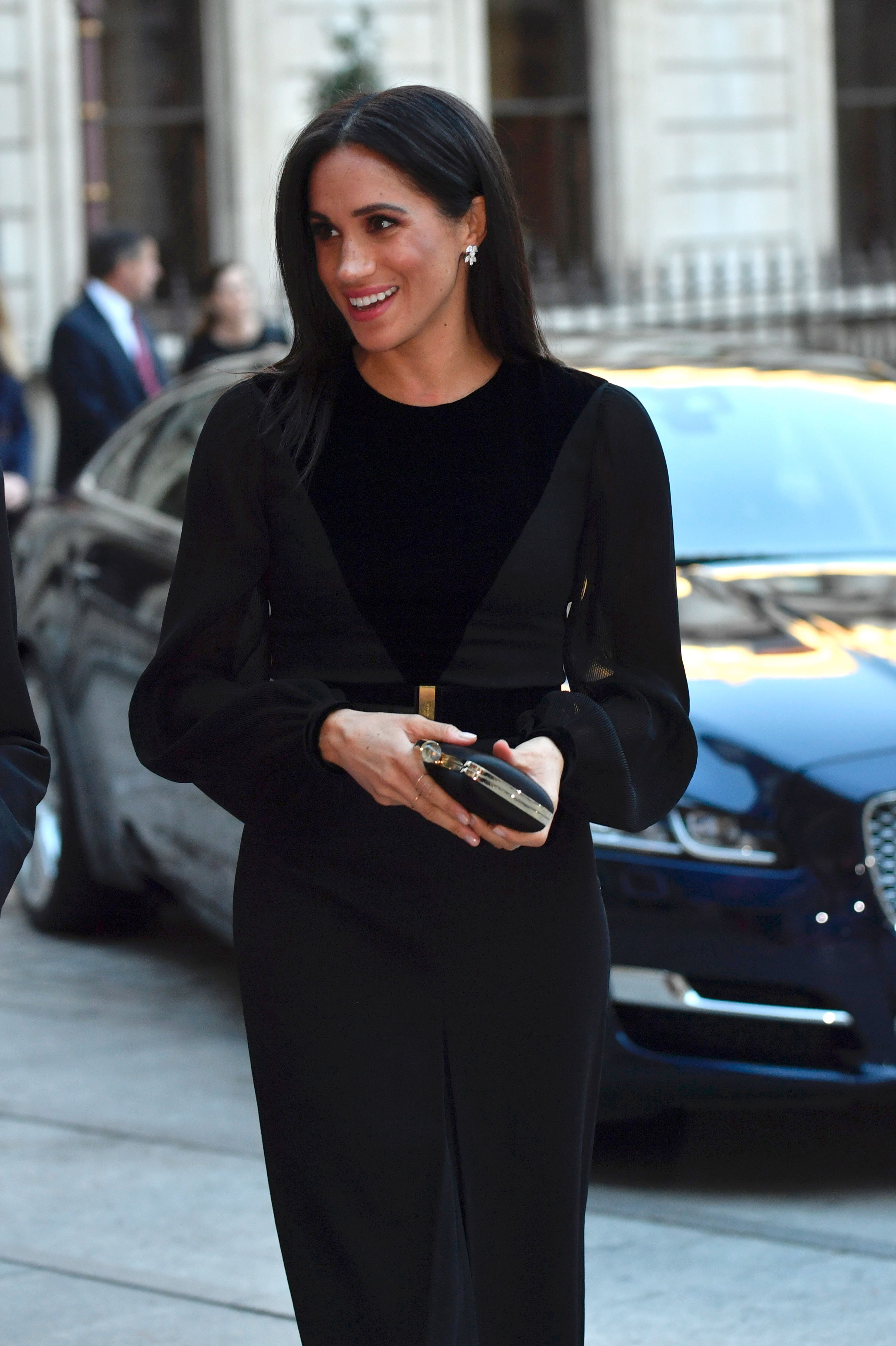 Meghan Markle arrives to open 'Oceania' at Royal Academy of Arts on September 25, 2018 | Photo: Getty Images