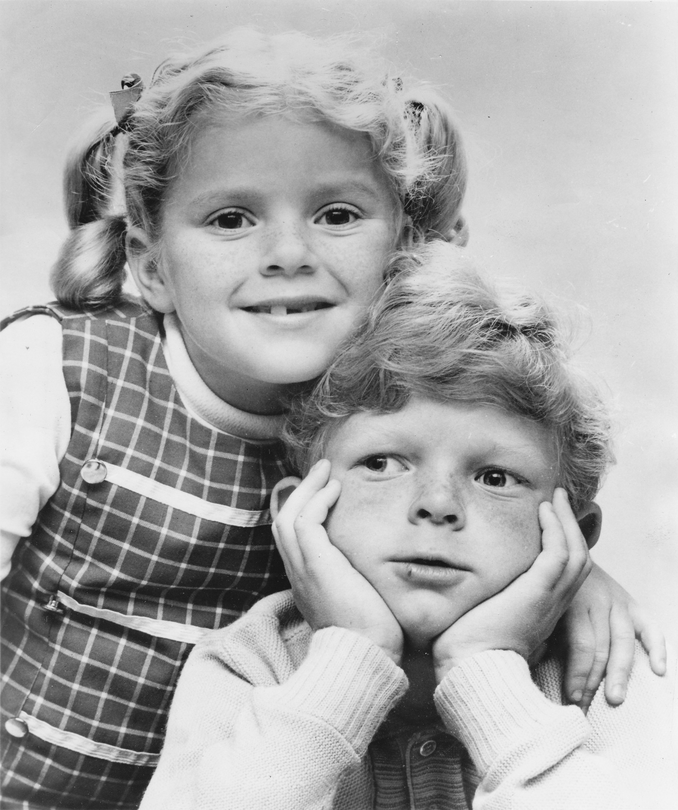 "American child actors, Anissa Jones and Johnny Whitaker promoting the CBS comedy series ""Family Affair"" circa 1967