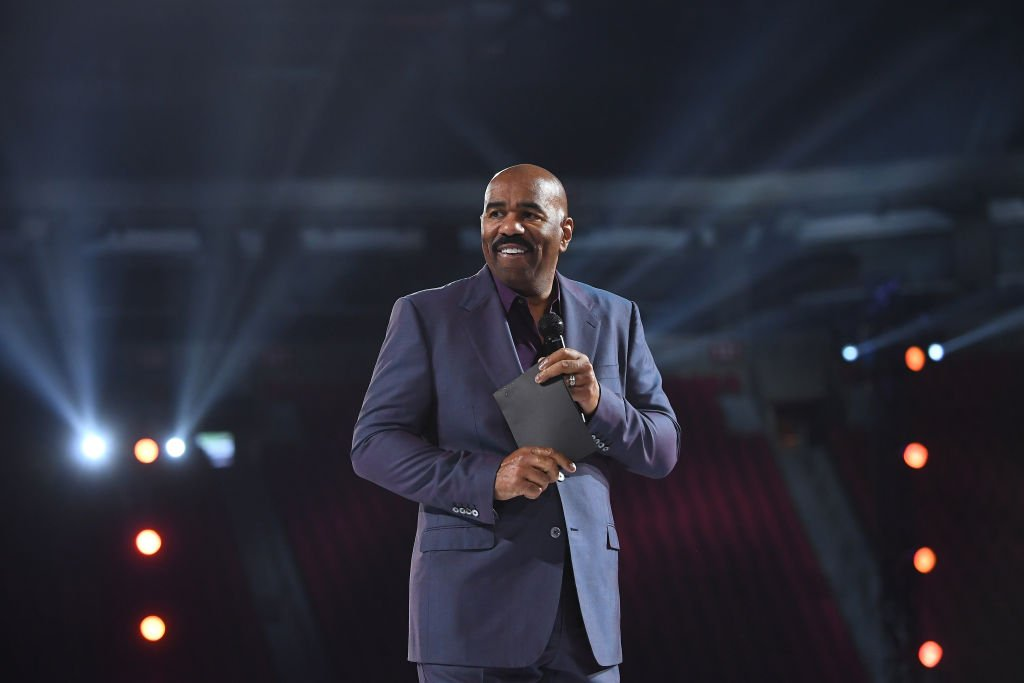 Steve Harvey speaks onstage during 2019 Beloved Benefit at Mercedes-Benz Stadium on March 21, 2019.| Photo: Getty Images