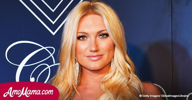 Brooke Hogan flashes her toned body in spicy photo amid recent rumors of her overweight