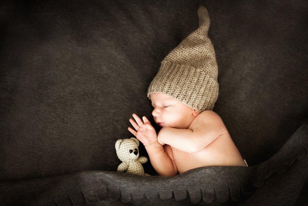 New Born Baby Sleeping | Photo: Shutterstock