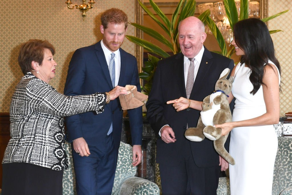 Le Prince Harry, Meghan Markle, Peter Cosgrove et Lynne Cosgrove le 16 octobre 2018. l Photo : Getty Images