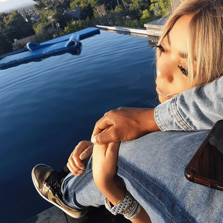 Screenshot of Wendy's photo of her mystery man. | Photo: Instagram/Wendy Williams