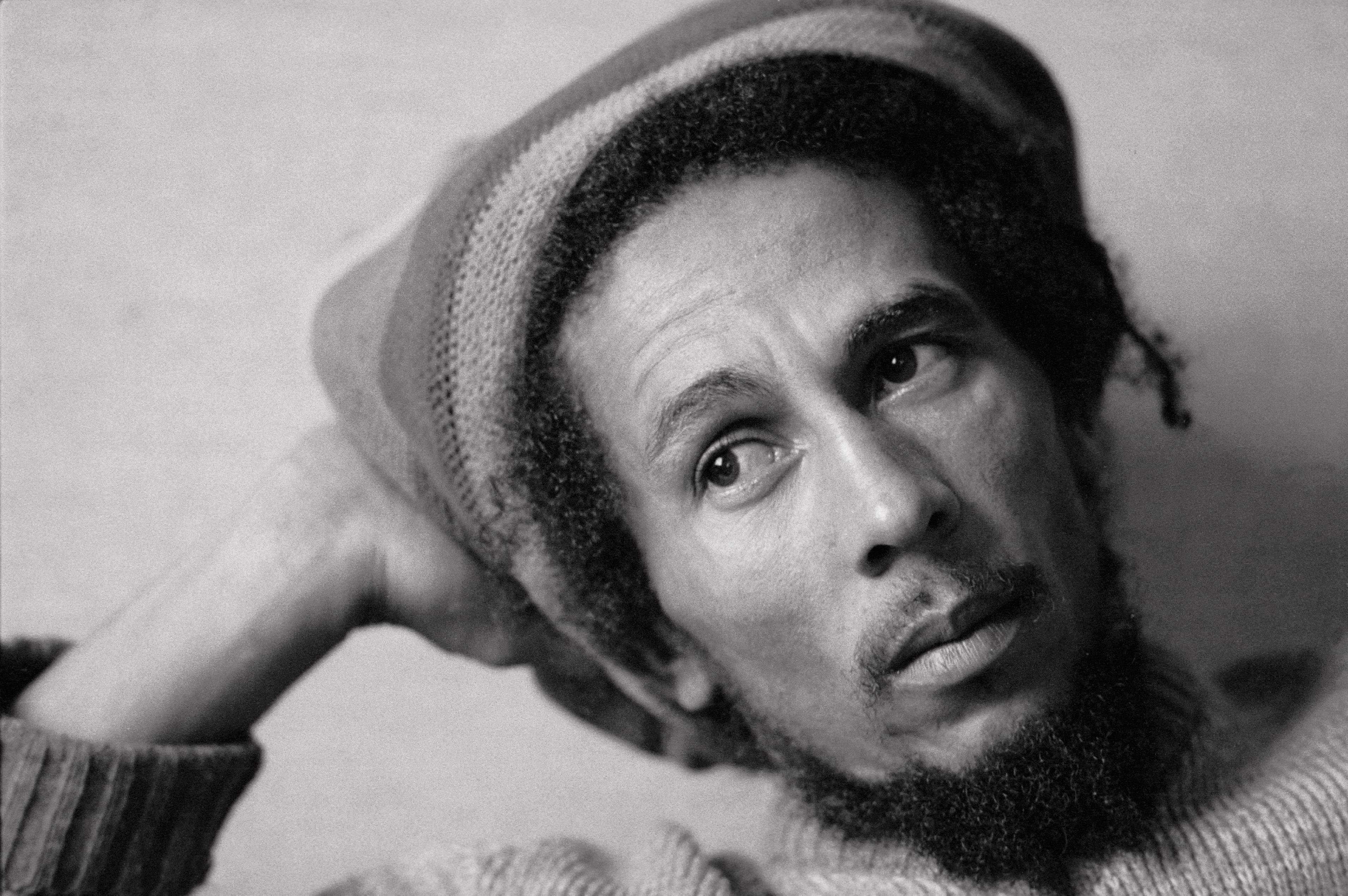 Bob Marley poses with a Jamaican cap for a photo taken on January 01, 1980. | Source: Getty Images