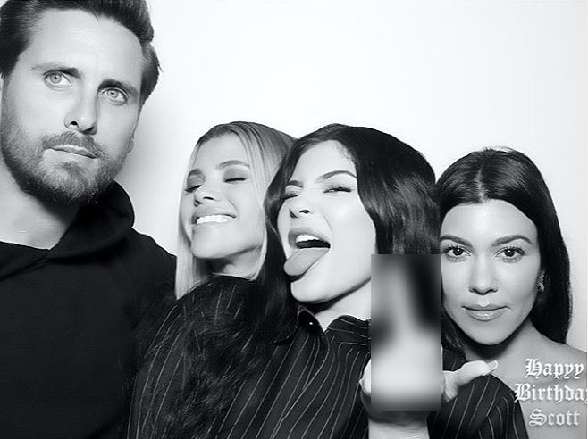 Scott, Sofia, Kylie Jenner, and Kourtney Kardashian posing together during Scott's birthday party | Source: Instagram/sofiarichie