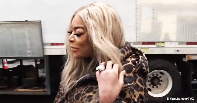 Wendy Williams Flashes Wedding Rock, Looks Unbothered about Rumors Regarding Her Husband (Video)