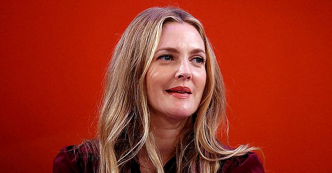 Drew Barrymore speaks onstage during the Building a Brand in a Mobile-First World panel on the Times Center Stage on September 27, 2016 in New York City | Photo: Getty Images
