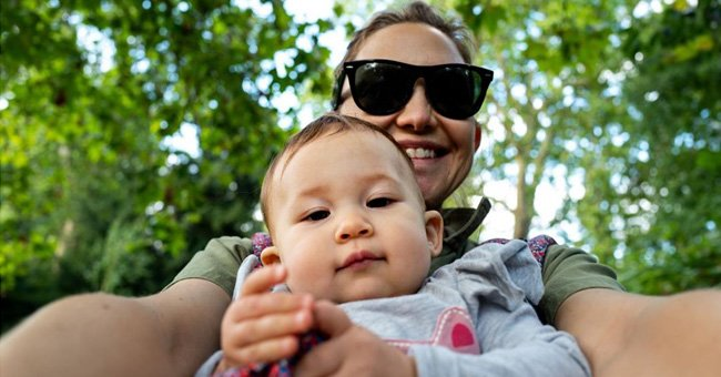 Kate Hudson Shares Cute Photo of Daughter Rani Waving to the Camera like a Diva