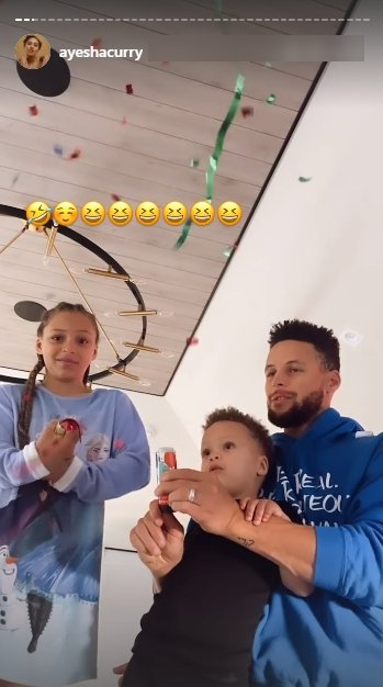 Ayesha Curry celebrating her 32nd birthday with her family | Photo: Instagram/ayeshacurry