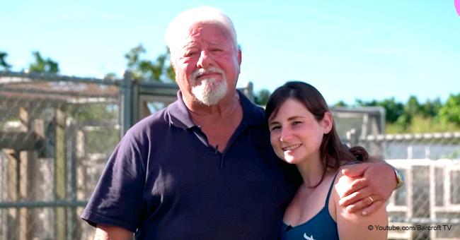 """Un homme de 70 ans de la Floride révèle que les gens confondent sa femme avec sa """"belle petite-fille"""""""
