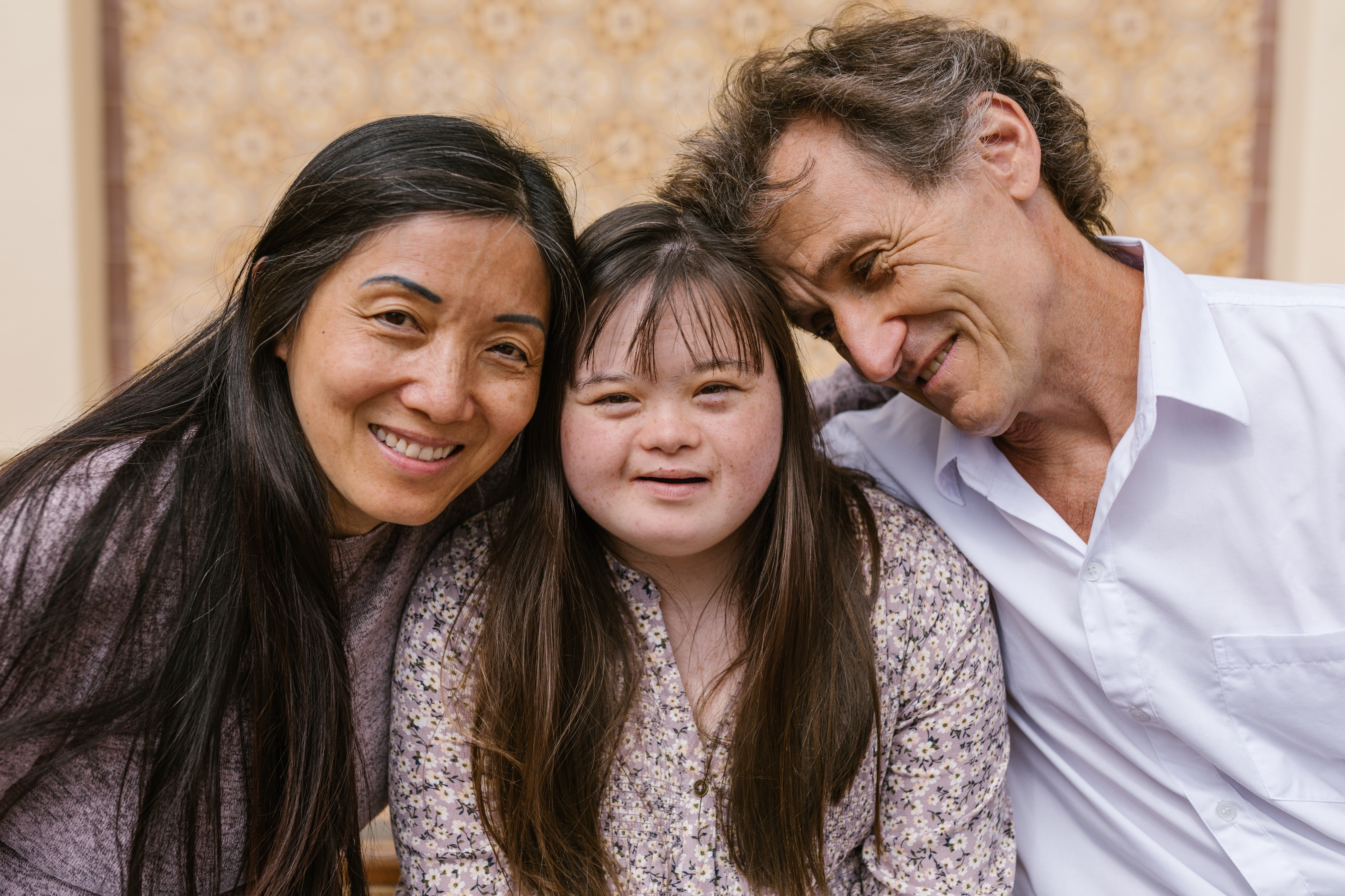 Couple with daughter | Photo: Pexels