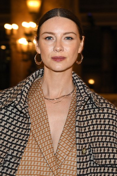 Caitriona Balfe at the Stella McCartney show on March 02, 2020 in Paris, France. | Photo: Getty Images