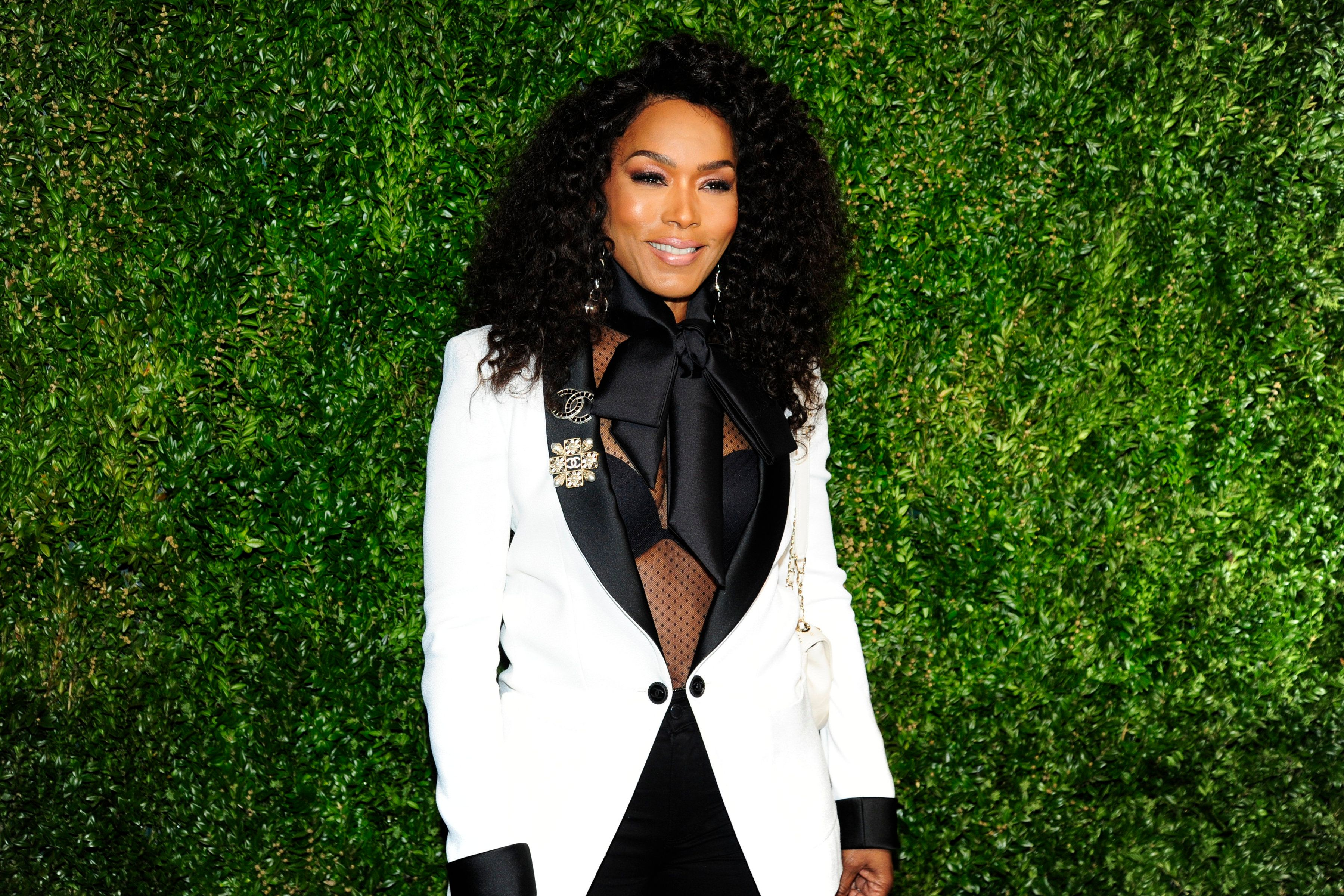 Angela Bassett attending the 2019 Tribeca Film Festival Artist's Dinner hosted by Chanel at Balthazar on April 29, 2019 in New York City.   Source: Getty Images