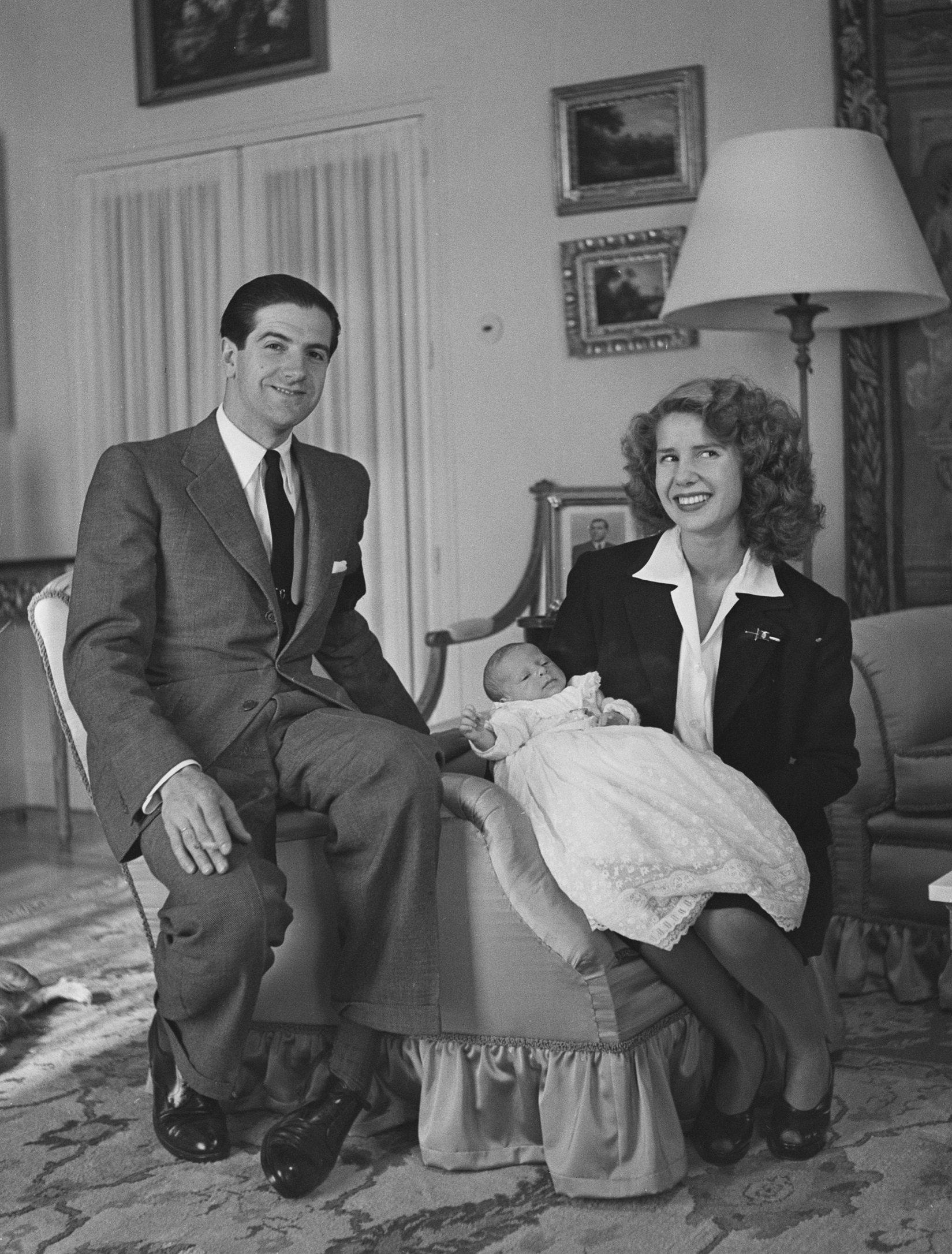 Luis Martínez de Irujo y Cayetana Fitz-James, Duquesa de Alba, junto a su primogénito || Fuente: Getty Images
