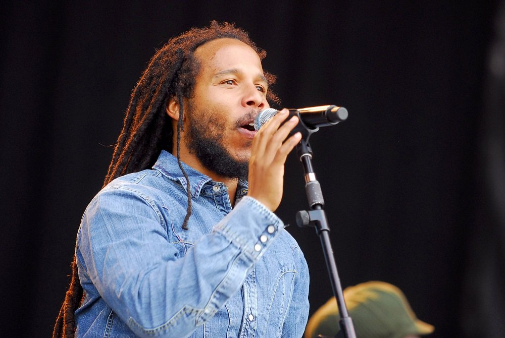 Ziggy Marley during Bonnaroo 2007 at What Stage in Manchester, Tennessee in July 2007. I image: Getty Images.