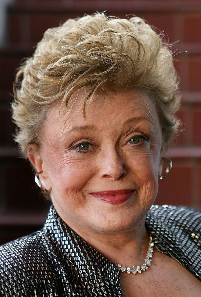 """Rue McClanahan poses at a book signing for her new book """"My First Five Husbands"""" 