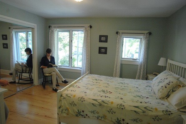 Photo of a woman sitting in a room   Photo: Getty Images