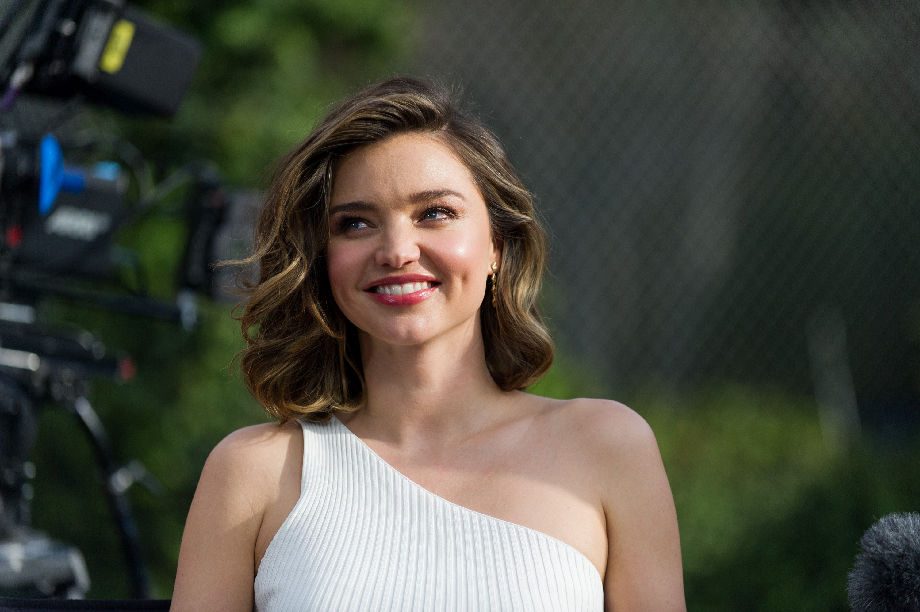 Miranda Kerr attends 'Buick Super Bowl ad' shooting on January 13, 2017, in Los Angeles, California. | Source: Getty Images.