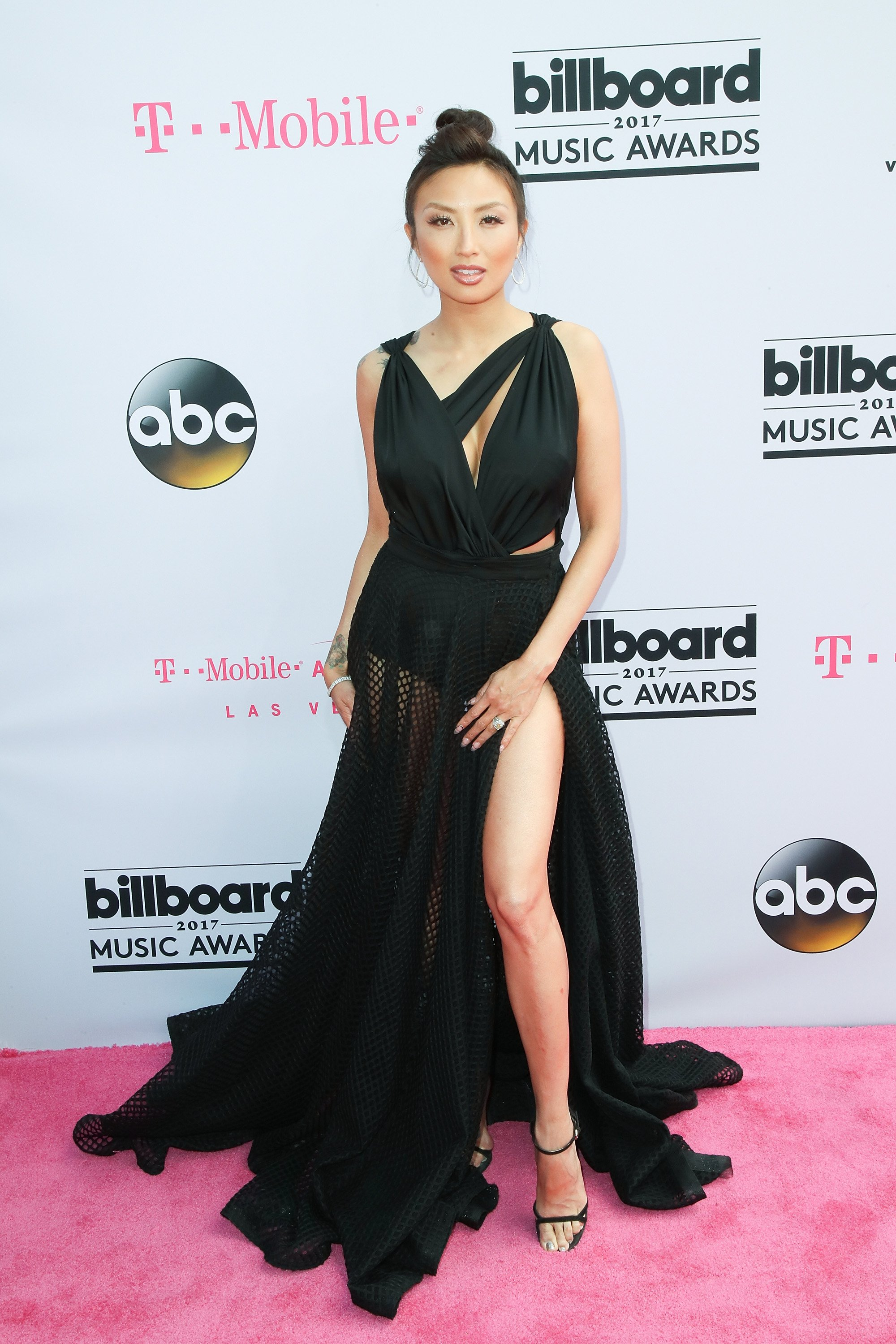 TV personality Jeannie Mai attends the 2017 Billboard Music Awards at the T-Mobile Arena on May 21, 2017 in Las Vegas, Nevada.| Photos: Getty Images