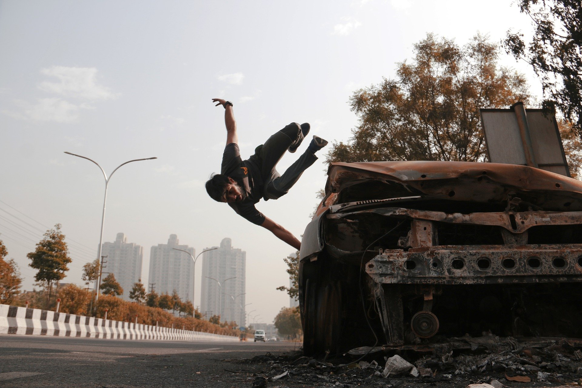A tracer practicing his parkour skills.   Source: Pixabay.