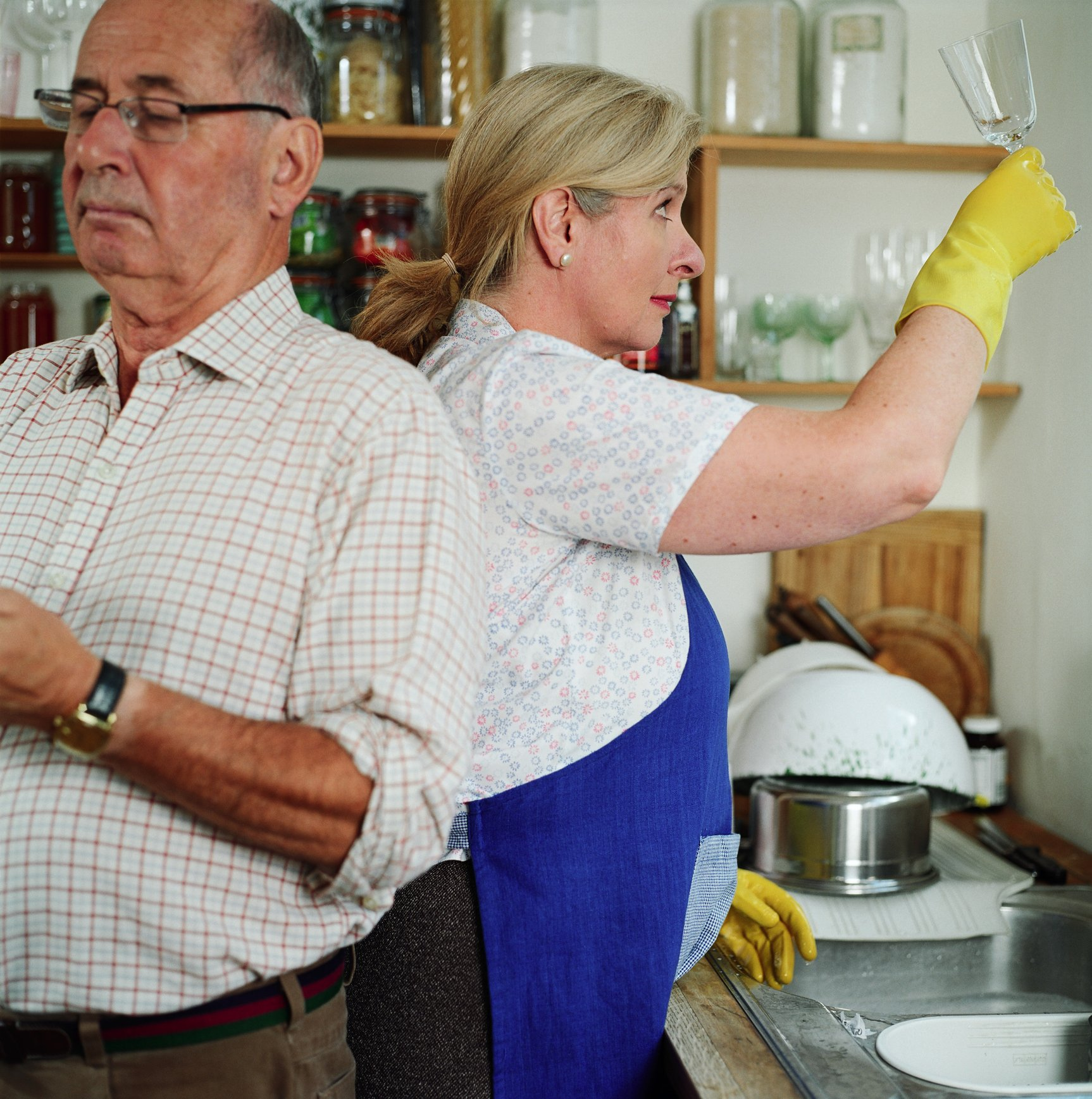 Photo of senior couple in kitchen | Photo: Getty Images