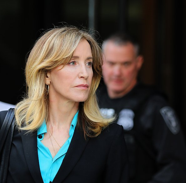 Felicity Huffman leaves the John Joseph Moakley United States Courthouse in Boston | Photo: Getty Images